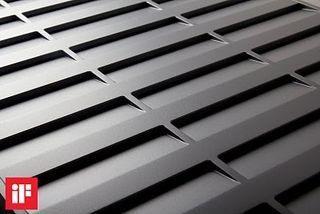 傾斜面的設計能避免鑰匙或零錢等小物品掉入水溝。陳彥廷/提供